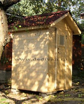 красивый туалет из дерева